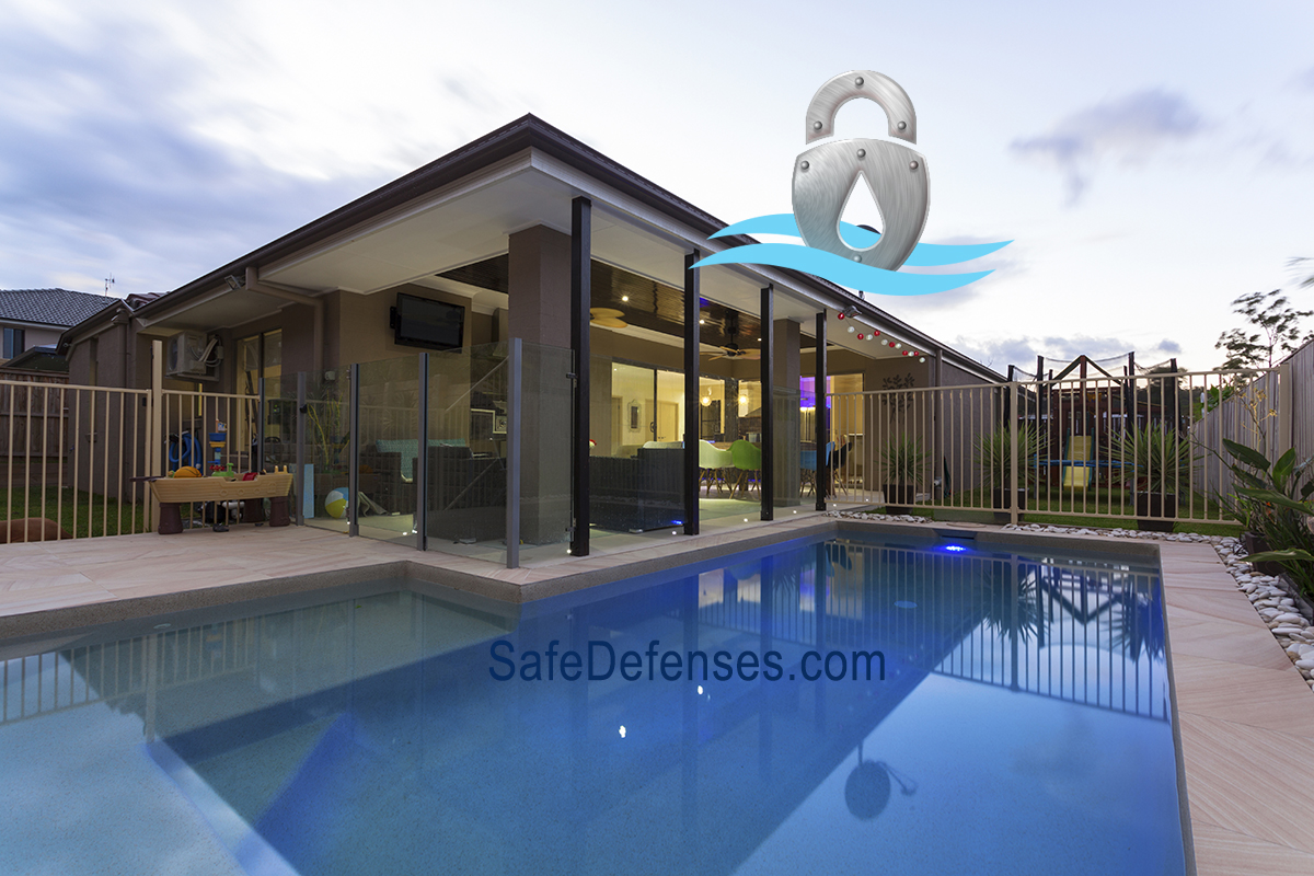 combination glass and metal pool fence